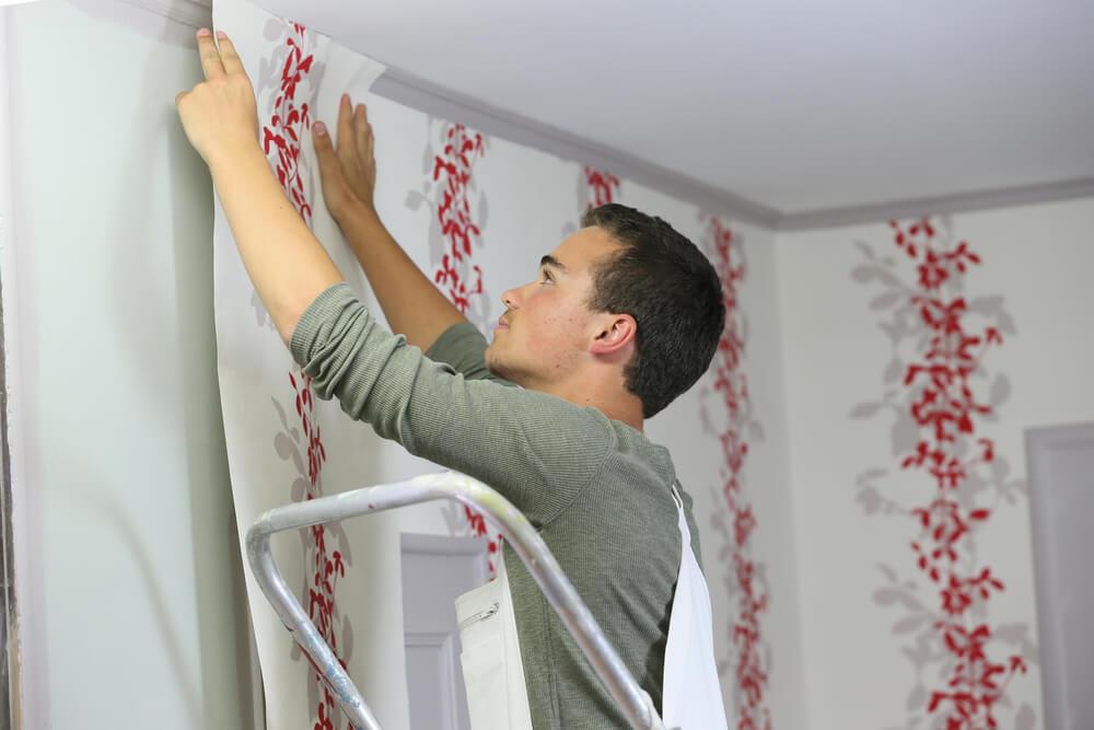 Faça você mesmo: como colocar papel de parede?